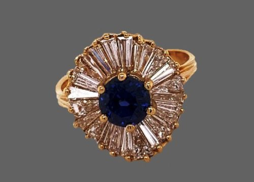 Sapphire and diamong 18 K gold ring