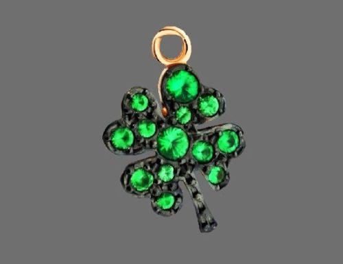 Shamrock clover charm. 9 K gold, tsavorites