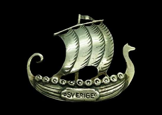 Sverige Sweden Viking ship pin brooch. Sterling silver