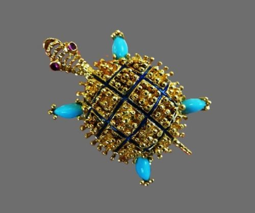 Turtle vintage brooch. 18 K gold, turquoise, enamel