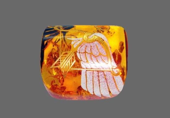 Work by artist Osamu Omori - brooch with 'Makie' technique of painting. Amber, 18 K gold