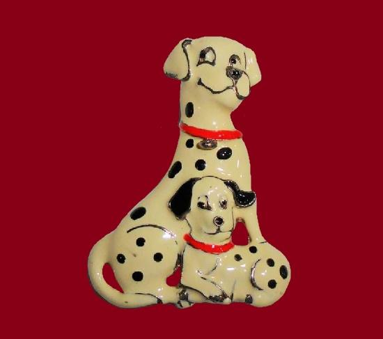 101 Dalmatians characters enameled brooch pin