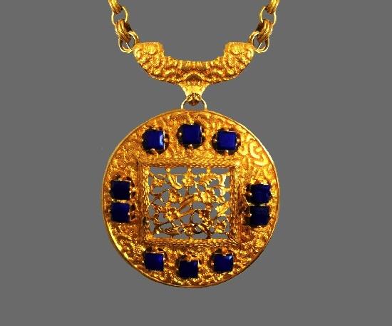 Blue cabochons gold tone round shaped pendant