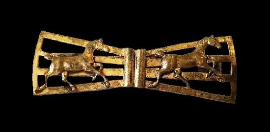 Bobtail Horses brooch pin scarf clip of gold tone