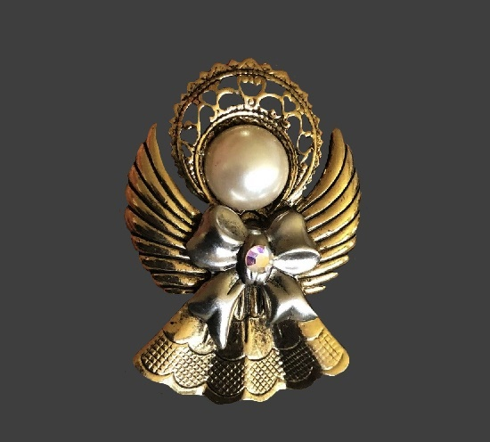 Christmas Angel brooch pin. Gold and silver tone metal alloys, rhinestone, faux pearl