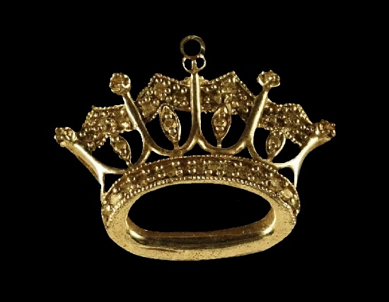 Crown filigree design sterling silver pendant