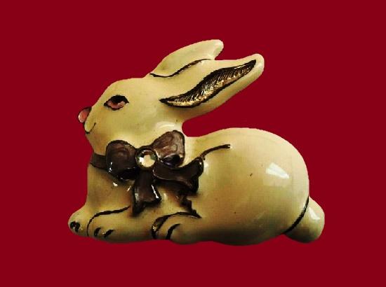 Easter bunny brooch pin. Metal alloy, enamel, rhinestone