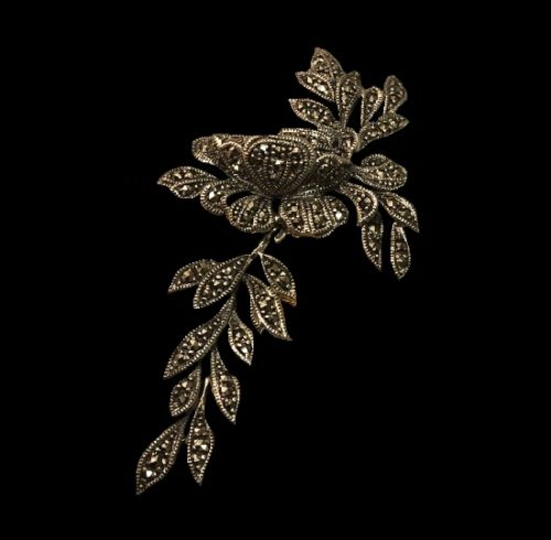 Floral design marcasite movable pin