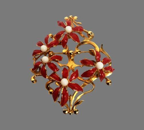 Flower bouquet brooch. Gold plated, enamel, faux pearls