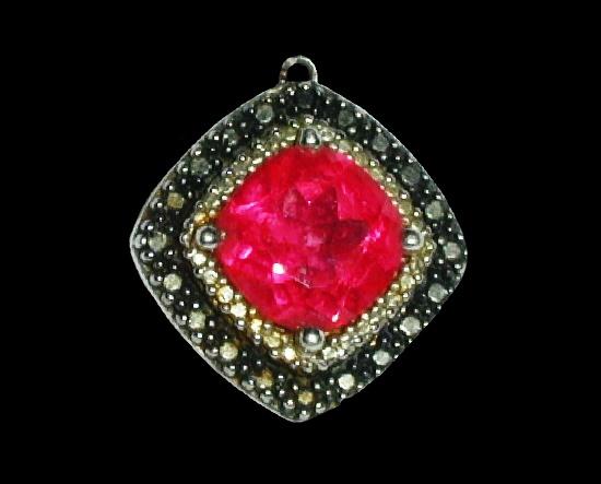 Garnet diamond silver pendant