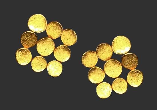 Geometric design gold plated clip on earrings. 2 cm