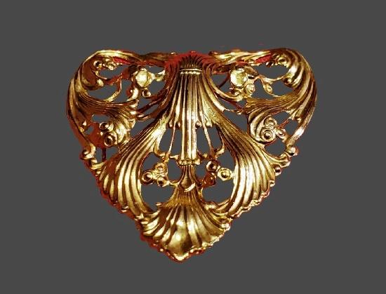 Heart shaped filigree design gold tone scarf clip