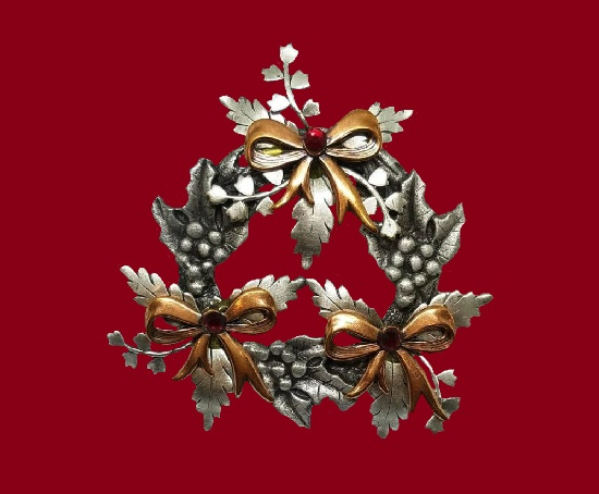 Holly leaves berries and bows Christmas brooch pin. Pewter and bronze tone metal, rhinestones