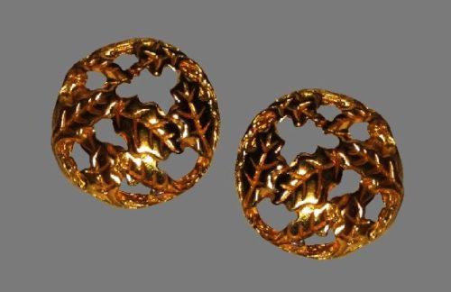 Openwork oak leaf design gold tone clip on earrings