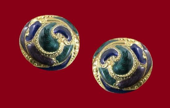 Paisley design round shaped pierced earrings. Gold tone metal alloy, enamel
