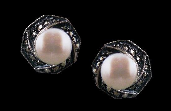 Pearl sterling silver marcasite stud earrings