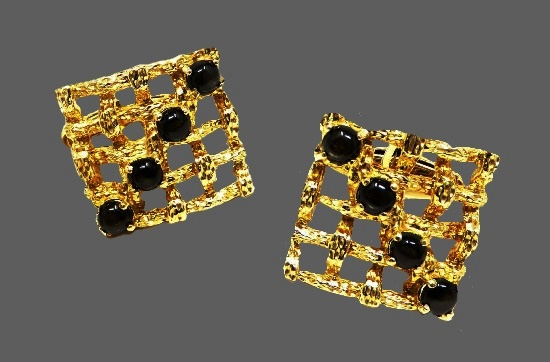 Square shaped cufflinks. 14 K gold, natural stone cabochons