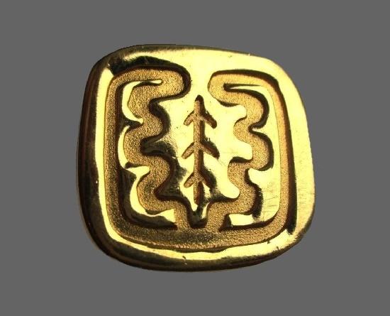 Square shaped gold tone oak leaf brooch. 2.5 cm