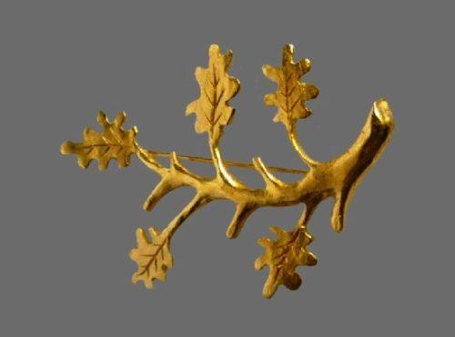 Vintage oak branch gold tone brooch