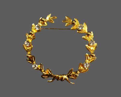 Wreath design gold tone rhinestones brooch pin