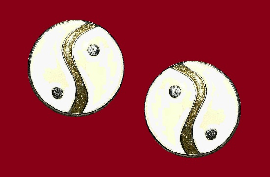 Yin Yang round shaped pierced earrings. Silver tone alloy, enamel