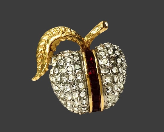 Apple brooch. Gold and silver plated metal alloy, Swarovski crystals. 3 cm. 1980s