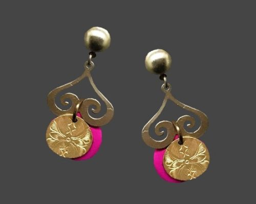 Arabian Nights collection pink and gold tone pierced earrings