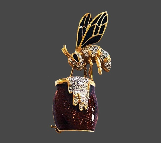 Bee and honey pot vintage brooch. Gold tone alloy, rhinestones, enamel