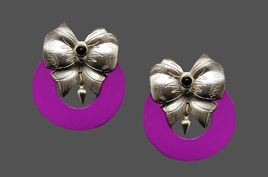 Bow design pink hoop silver tone earrings. 1990s