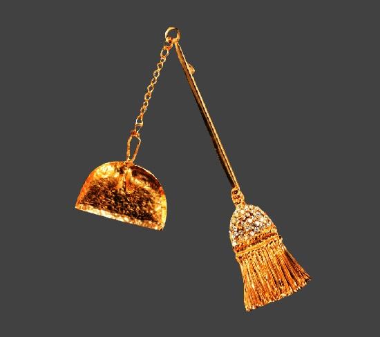 Broom and dustpan gold tone rhinestones brooch