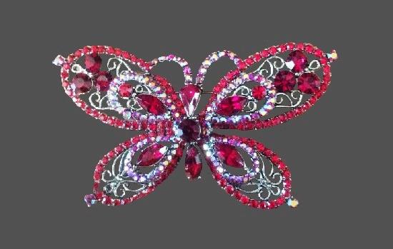 Butterfly brooch. Silver tone alloy, rhinestones