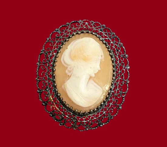 Cameo brooch. Filigree frame, carved shell. Sterling silver