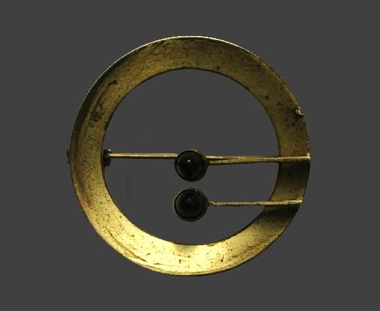 Circle pin. Sterling silver, onyx