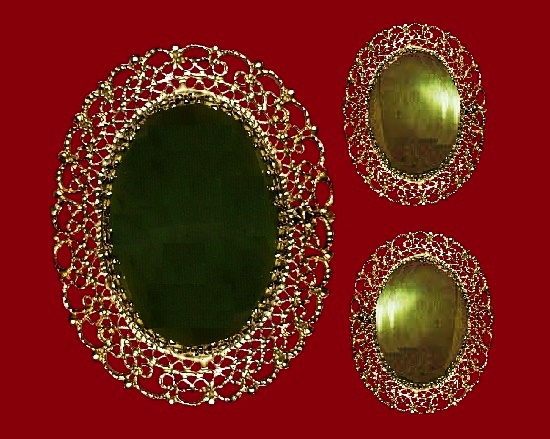 Filigree design oval shaped brooch and earrings. Vermeil gold, sterling silver, jade. 1960s