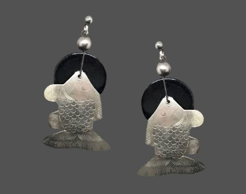 Fish design dangling earrings. Wood and silver tone textured metal alloy. 1980s