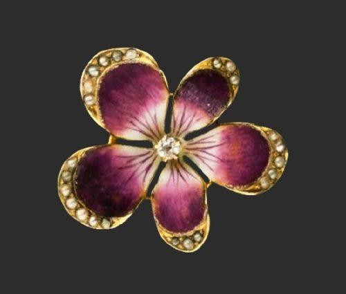 Flower brooch. Sterling silver, enamel. 3.8 cm. 1910s