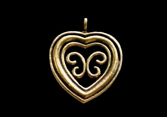'Heart of Utajarvi' bronze pendant