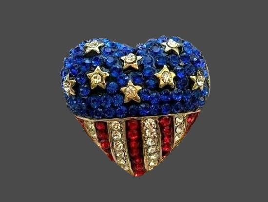 Heart shaped patriotic brooch. Gold tone, rhinestones