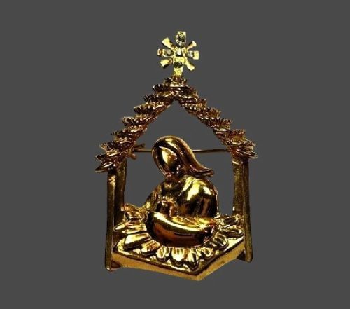 Nativity Scene Christmas holiday vintage brooch of gold tone. Fifth Avenue Collection