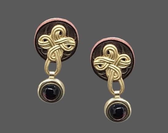 Purple cabochon goold copper tone ally earrings. 1990s