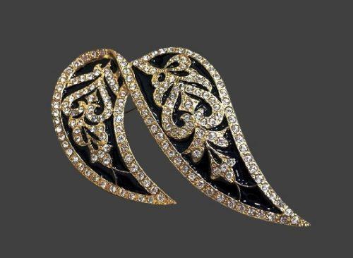 'Spanish Bolero' brooch. Jewelry alloy, enamel, rhinestones, Swarovski crystals. 8 cm. 1980s
