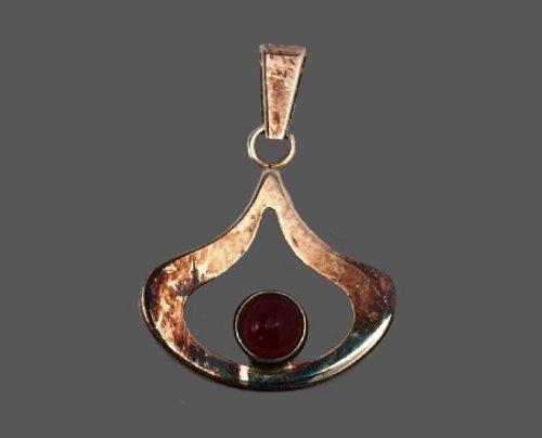 Teardrop shaped sterling silver cornelian pendant
